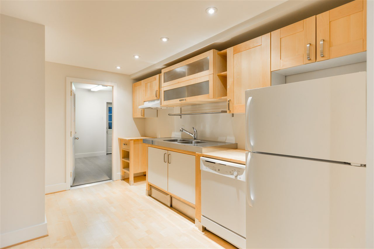 Photo 18: Photos: 3768 W 12TH Avenue in Vancouver: Point Grey House for sale (Vancouver West)  : MLS®# R2152288