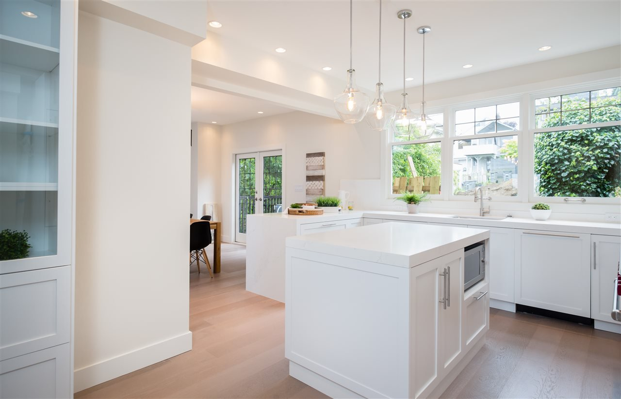 Photo 8: Photos: 3768 W 12TH Avenue in Vancouver: Point Grey House for sale (Vancouver West)  : MLS®# R2152288