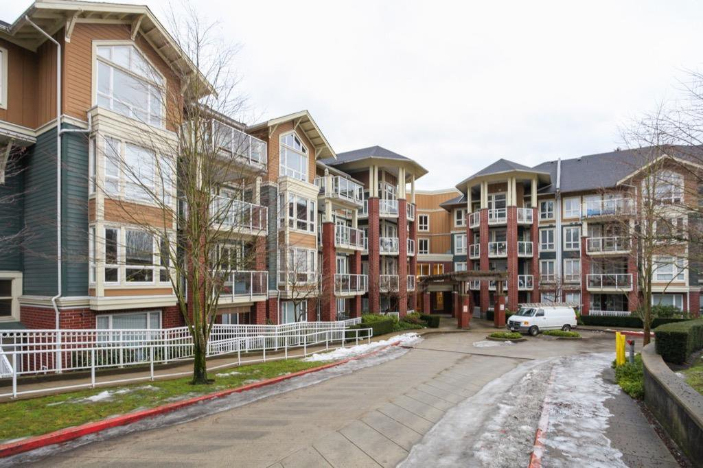 Main Photo: 304 14 E ROYAL AVENUE in New Westminster: Fraserview NW Condo for sale : MLS®# R2133443