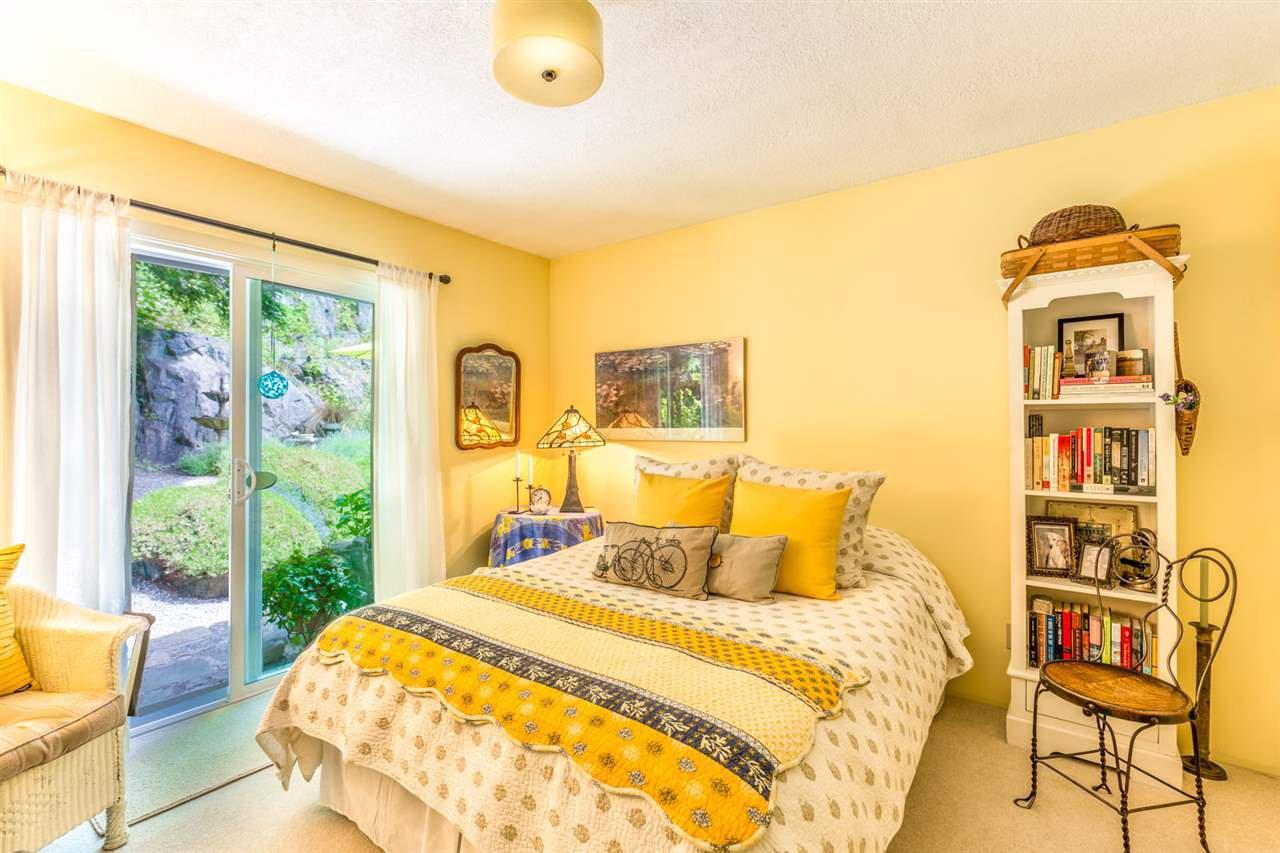 Photo 11: Photos: 8594 REDROOFFS Road in Halfmoon Bay: Halfmn Bay Secret Cv Redroofs House for sale (Sunshine Coast)  : MLS®# R2177411