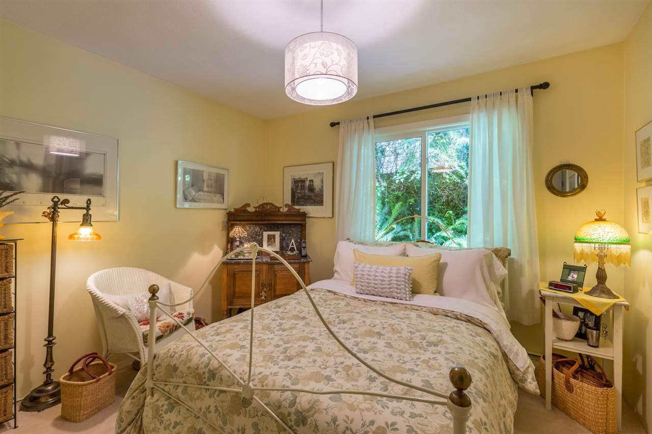 Photo 14: Photos: 8594 REDROOFFS Road in Halfmoon Bay: Halfmn Bay Secret Cv Redroofs House for sale (Sunshine Coast)  : MLS®# R2177411