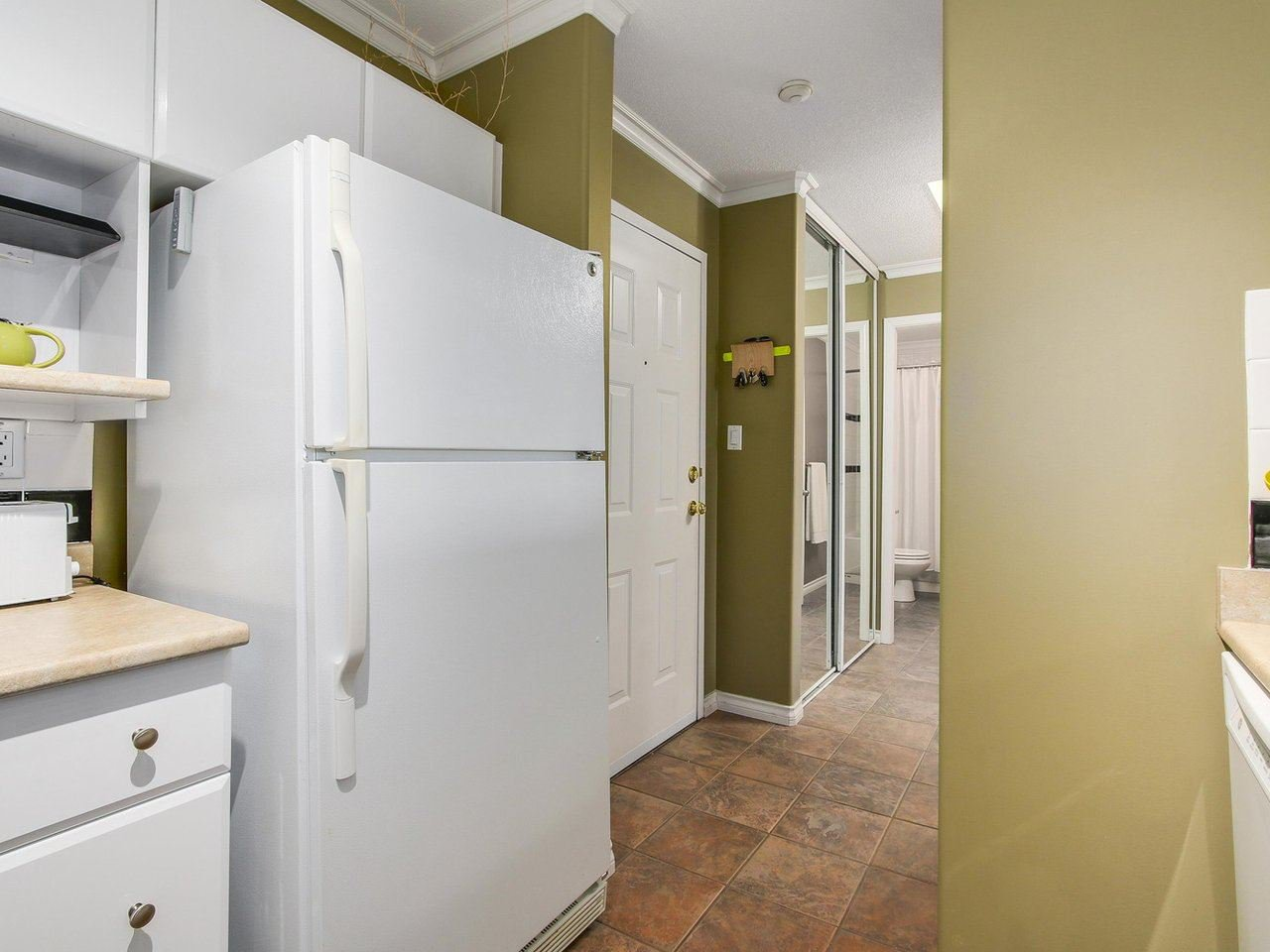 Photo 7: Photos: 304 8120 BENNETT Road in Richmond: Brighouse South Condo for sale : MLS®# R2191205