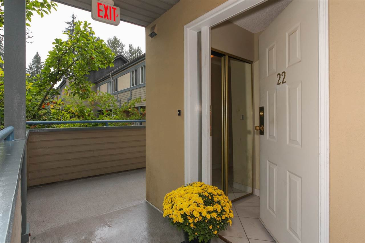 "Main Photo: 22 2978 WALTON Avenue in Coquitlam: Canyon Springs Townhouse for sale in ""CREEK TERRACE"" : MLS®# R2208149"
