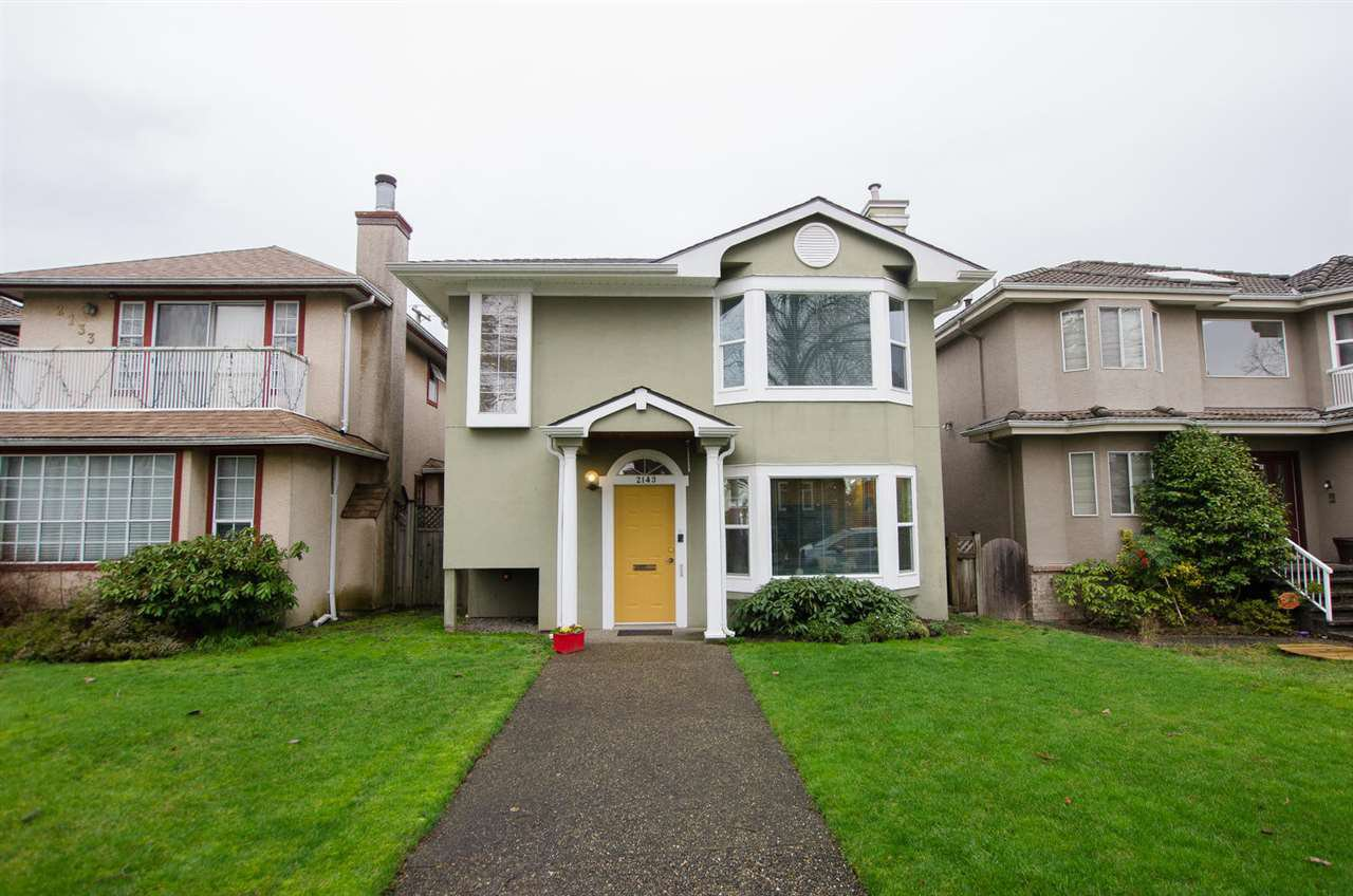 "Main Photo: 2143 UPLAND Drive in Vancouver: Fraserview VE House for sale in ""FRASERVIEW"" (Vancouver East)  : MLS®# R2249615"