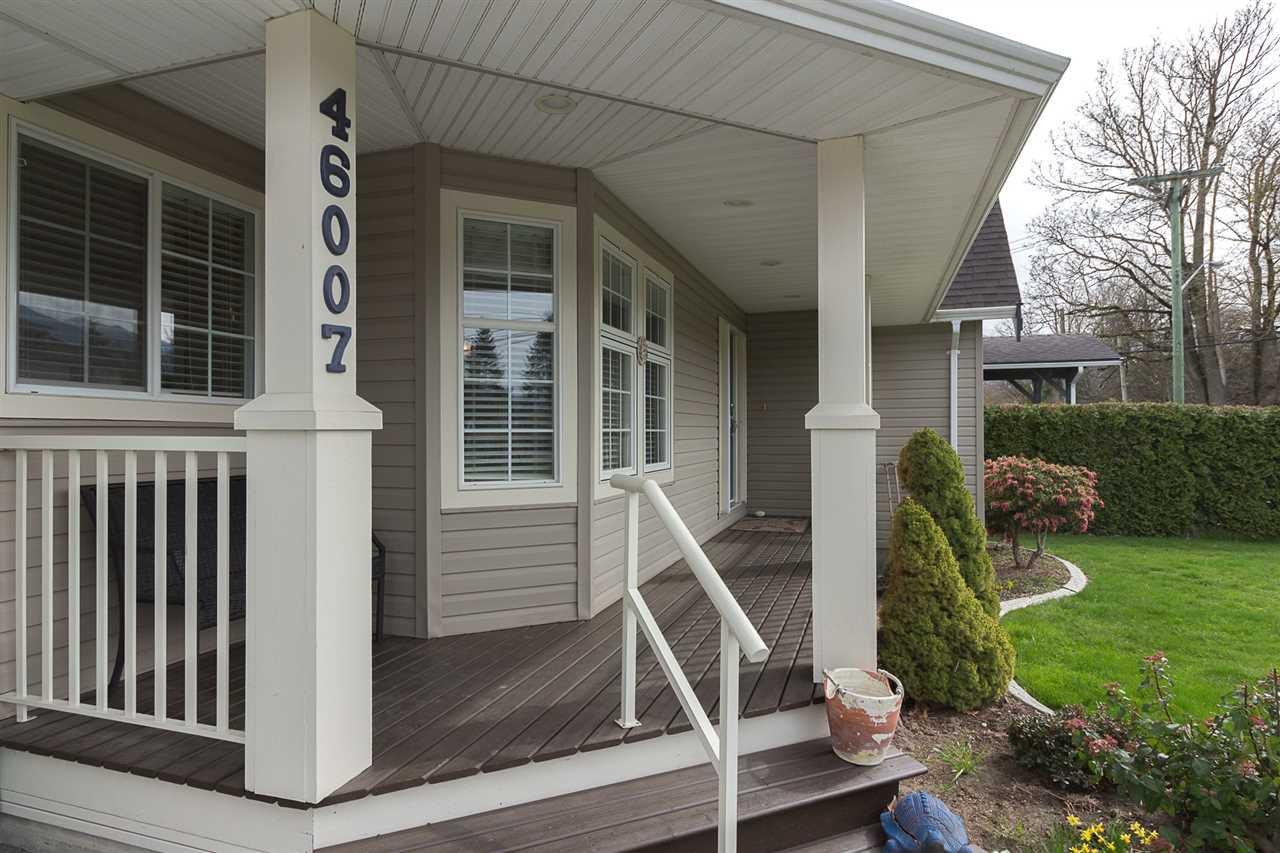 Photo 2: Photos: 46007 HIGGINSON Road in Sardis: Sardis East Vedder Rd House for sale : MLS®# R2252891