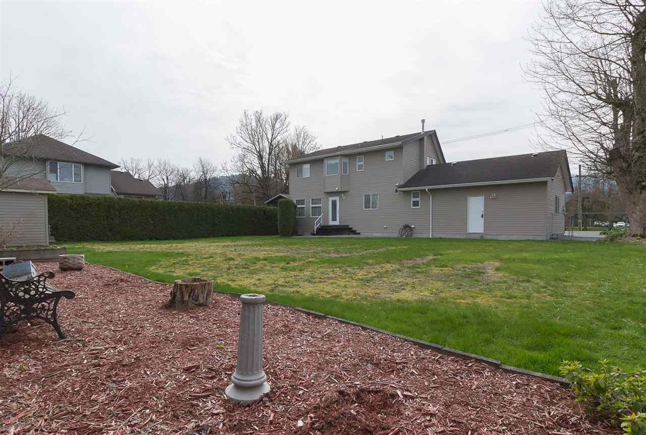 Photo 18: Photos: 46007 HIGGINSON Road in Sardis: Sardis East Vedder Rd House for sale : MLS®# R2252891