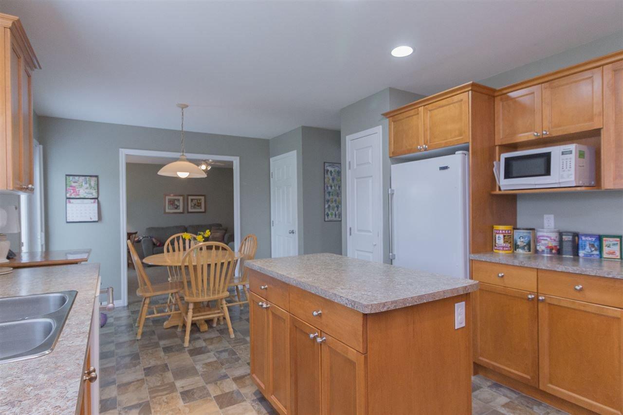 Photo 8: Photos: 46007 HIGGINSON Road in Sardis: Sardis East Vedder Rd House for sale : MLS®# R2252891
