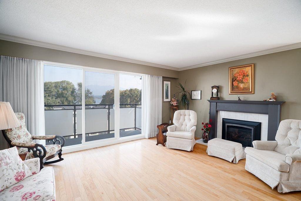 Main Photo: 302 2255 YORK Avenue in Vancouver: Kitsilano Condo for sale (Vancouver West)  : MLS®# R2305184