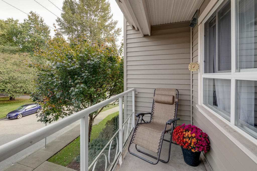 "Photo 14: Photos: 202 2266 ATKINS Avenue in Port Coquitlam: Central Pt Coquitlam Condo for sale in ""MAYFAIR TERRACE"" : MLS®# R2312108"