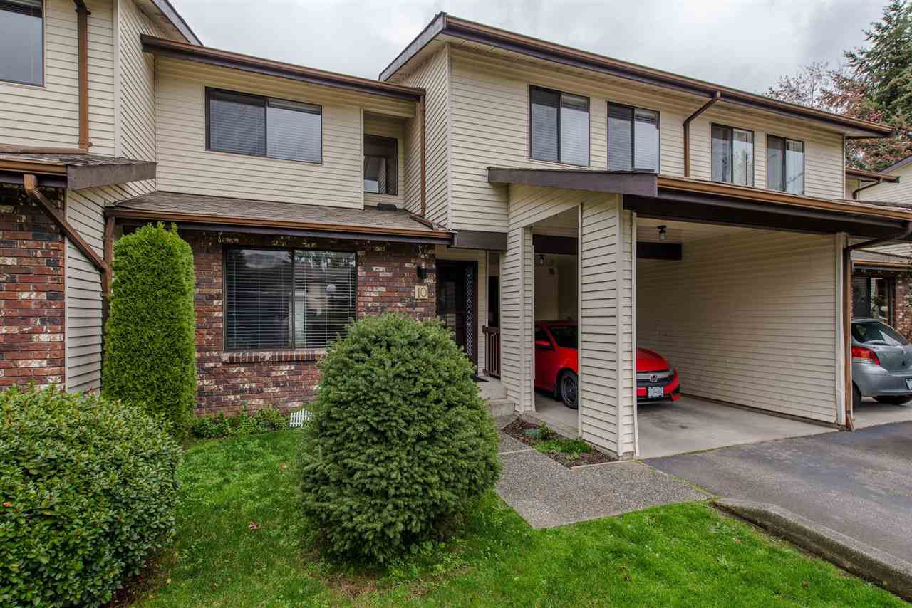 "Main Photo: 10 33951 MARSHALL Road in Abbotsford: Central Abbotsford Townhouse for sale in ""Arrowwood Village"" : MLS®# R2319685"