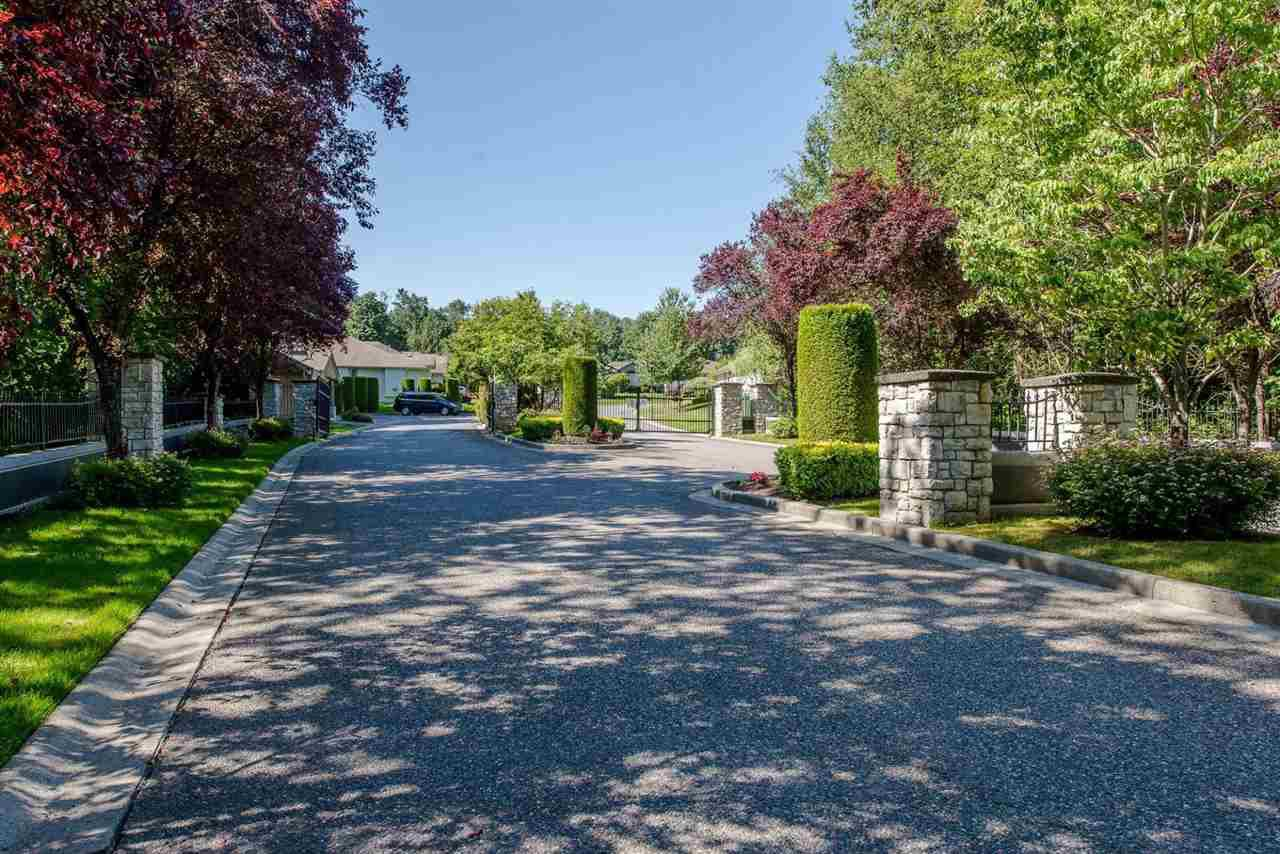 "Photo 3: Photos: 4 32250 DOWNES Road in Abbotsford: Abbotsford West Townhouse for sale in ""Downes Road Estates"" : MLS®# R2371457"