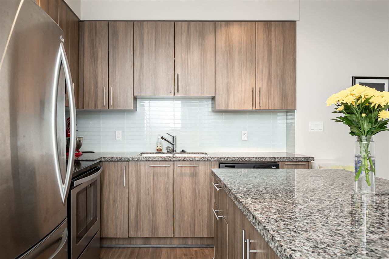 """Photo 8: Photos: 115 12075 EDGE Street in Maple Ridge: East Central Condo for sale in """"The Edge"""" : MLS®# R2372794"""