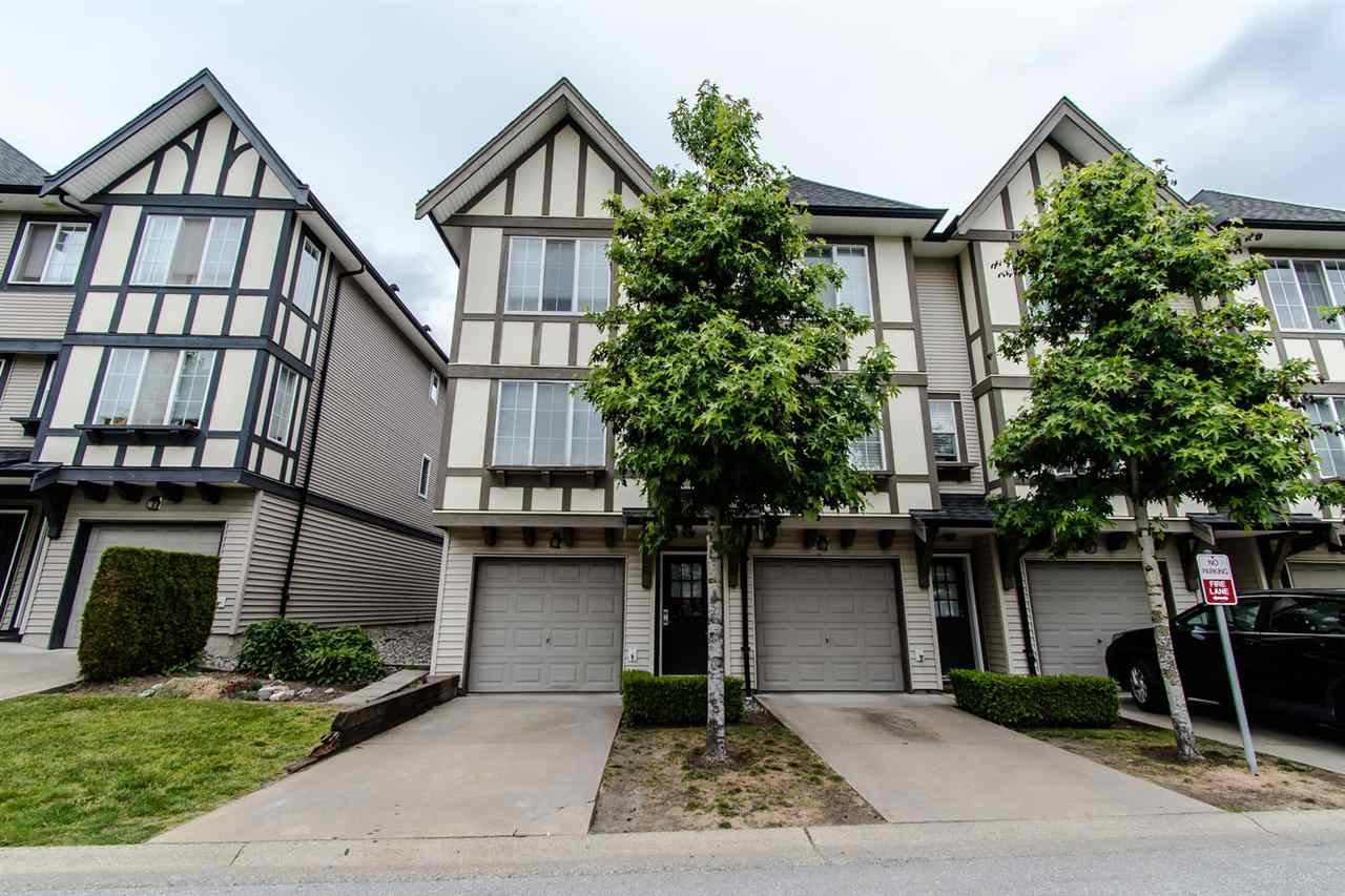 """Main Photo: 152 20875 80 Avenue in Langley: Willoughby Heights Townhouse for sale in """"Willoughby Heights"""" : MLS®# R2374909"""
