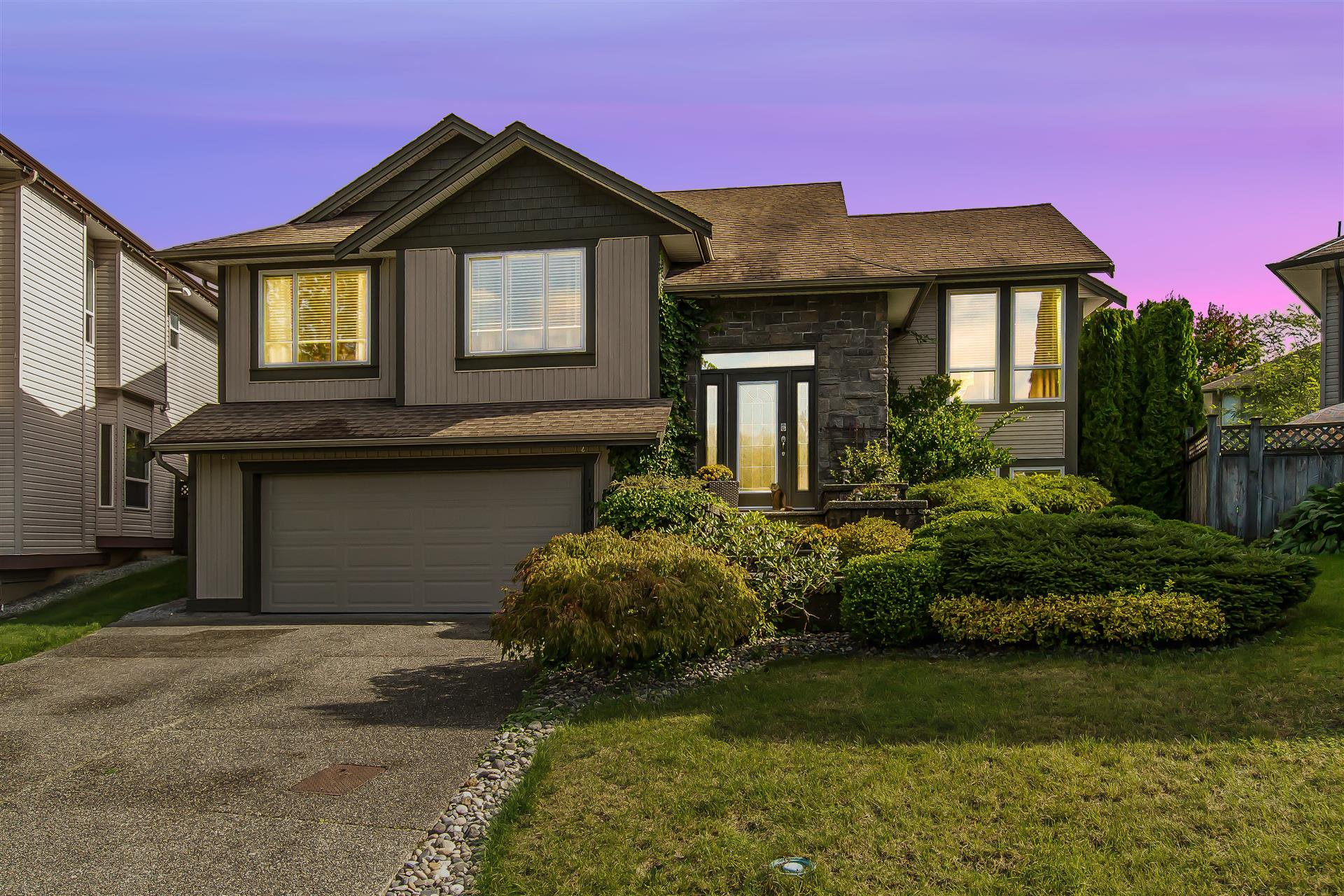Main Photo: 11008 237B Street in Maple Ridge: Cottonwood MR House for sale : MLS®# R2407120