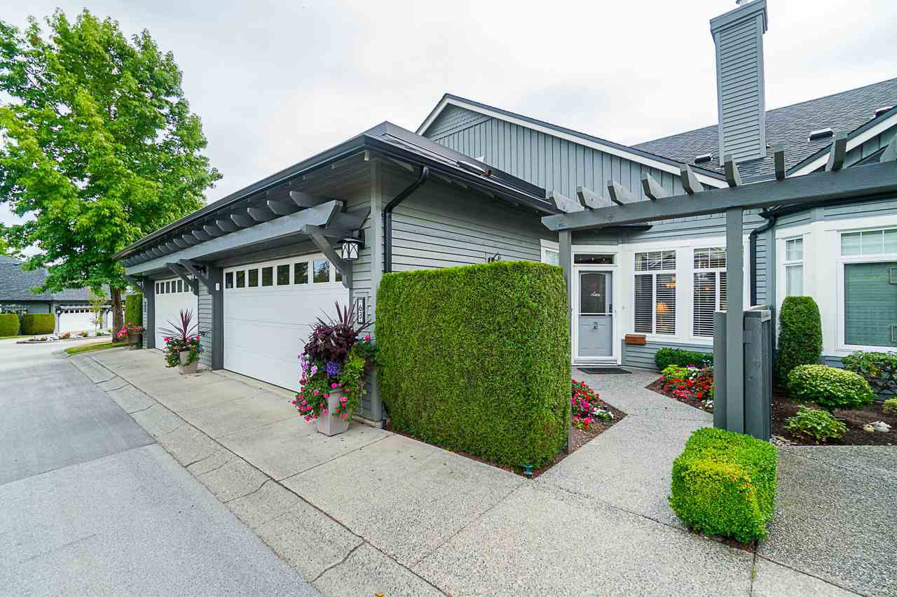 """Main Photo: 63 14909 32 Avenue in Surrey: King George Corridor Townhouse for sale in """"PONDEROSA"""" (South Surrey White Rock)  : MLS®# R2418802"""