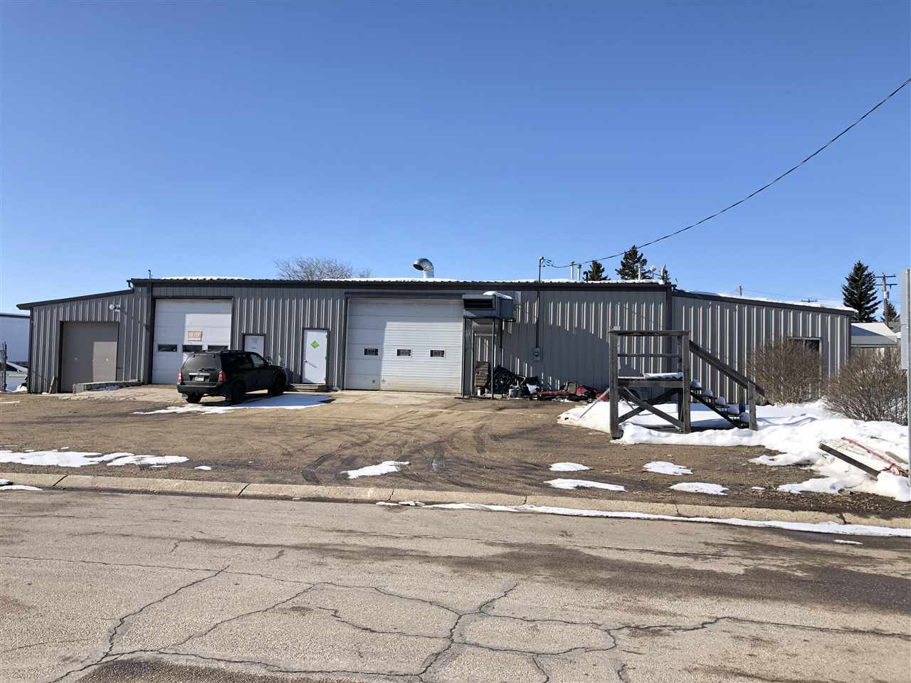 Main Photo: 5205 50 Avenue: Legal Industrial for sale : MLS®# E4189769