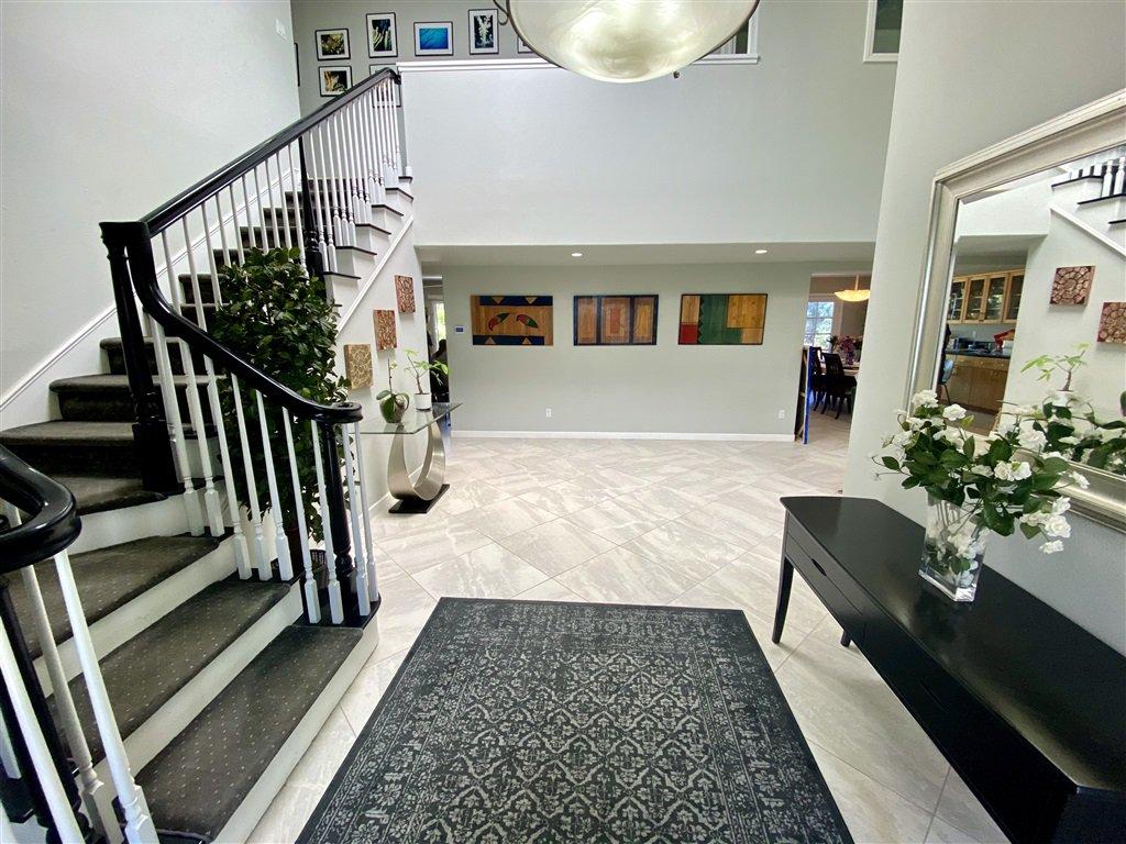 Main Photo: LA JOLLA House for rent : 7 bedrooms : 8685 Nottingham Pl.