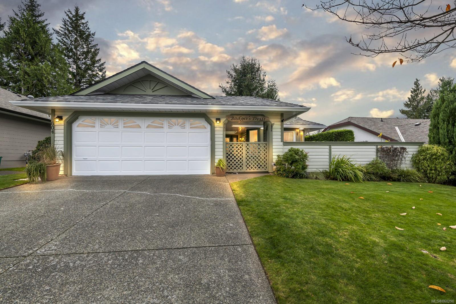Main Photo: 604 Pine Ridge Dr in : ML Cobble Hill House for sale (Malahat & Area)  : MLS®# 860298