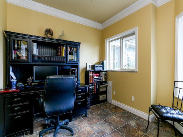 """Photo 9: Photos: 26643 58TH Avenue in Langley: County Line Glen Valley House for sale in """"County Line Glen Valley"""" : MLS®# F1406610"""