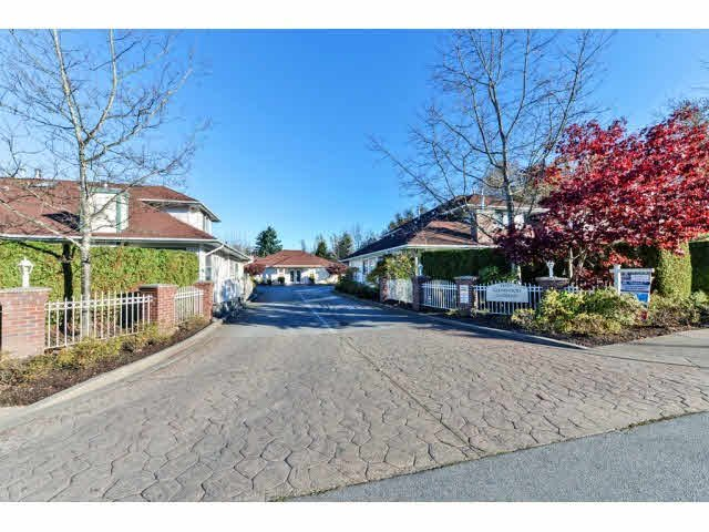 "Main Photo: 25 18939 65 Avenue in Surrey: Cloverdale BC Townhouse for sale in ""Glenwood Gardens"" (Cloverdale)  : MLS®# F1426734"