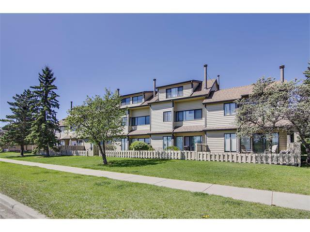 Main Photo: GRIER PL NE in Calgary: Greenview House for sale : MLS®# C4013215