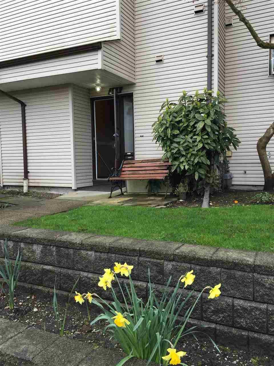 "Main Photo: 304 11650 96 Avenue in Delta: Annieville Townhouse for sale in ""DELTA GARDENS"" (N. Delta)  : MLS®# R2052568"