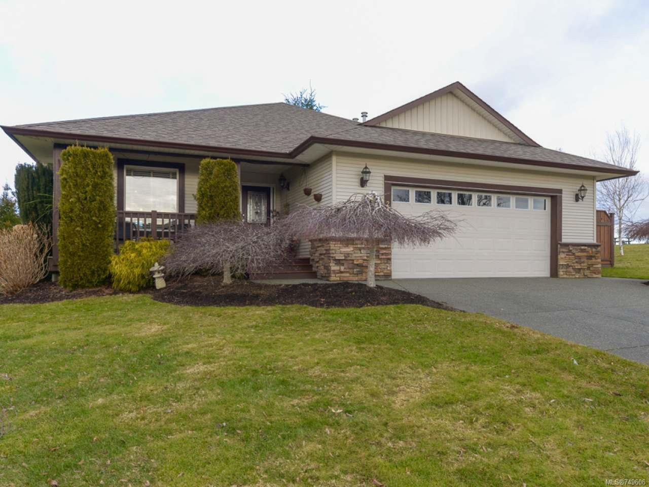 Main Photo: 2192 STIRLING Crescent in COURTENAY: CV Courtenay East House for sale (Comox Valley)  : MLS®# 749606