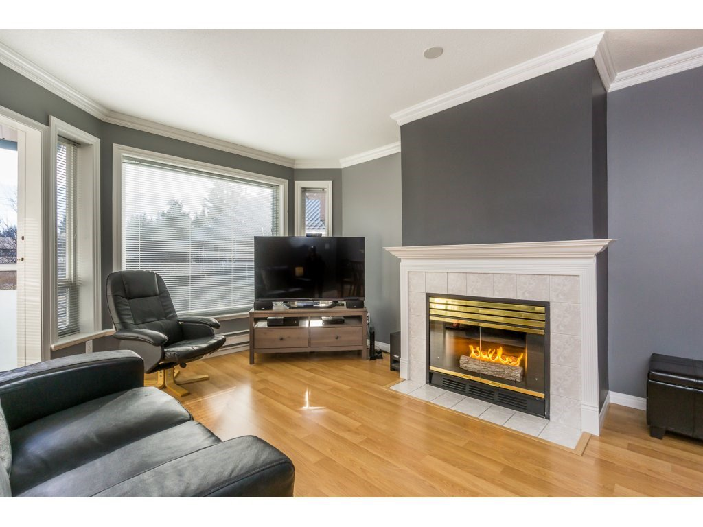"Main Photo: 312 2855 152 Street in Surrey: King George Corridor Condo for sale in ""TRADEWINDS"" (South Surrey White Rock)  : MLS®# R2136363"