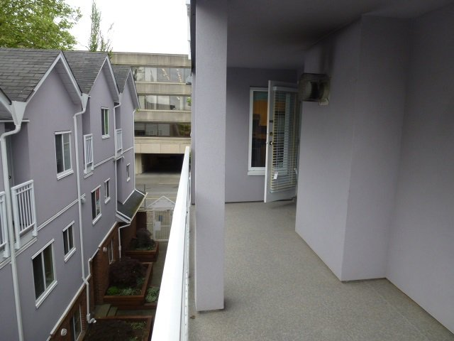 "Photo 15: Photos: 305 624 AGNES Street in New Westminster: Downtown NW Condo for sale in ""MCKENZIE STEPS"" : MLS®# R2171513"