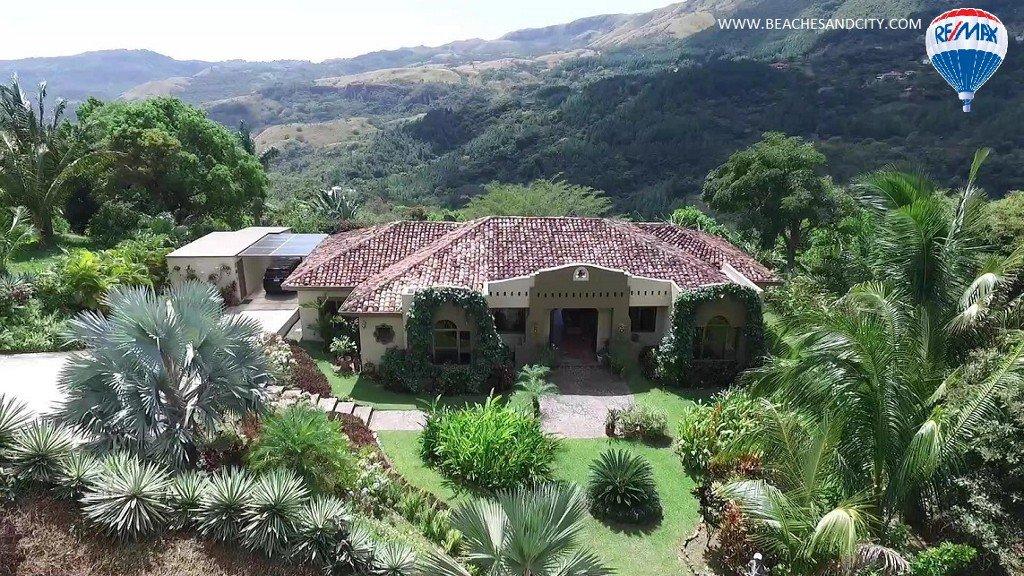 House for sale in Altos del Maria