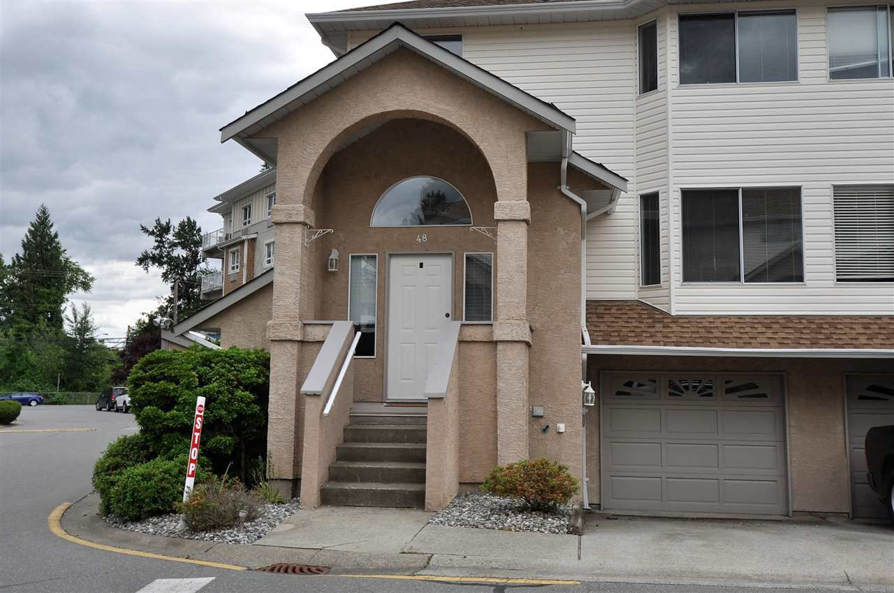 """Main Photo: 48 32339 7TH Avenue in Mission: Mission BC Townhouse for sale in """"Cedarbrooke Estates"""" : MLS®# R2176595"""