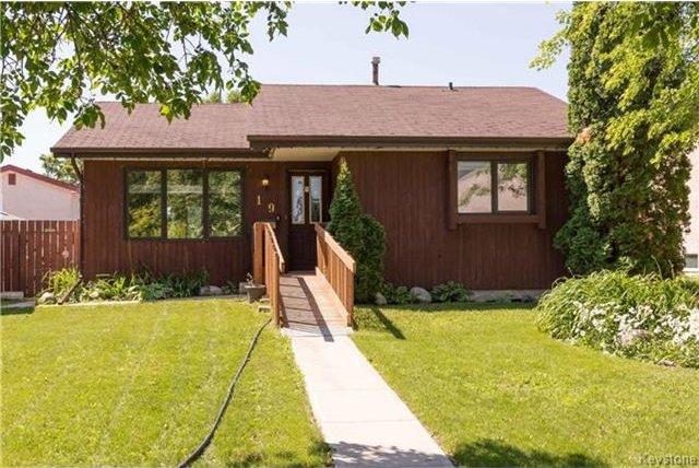 Main Photo: 19 Greenhoven Crescent in Winnipeg: Garden Grove Residential for sale (4K)  : MLS®# 1716966