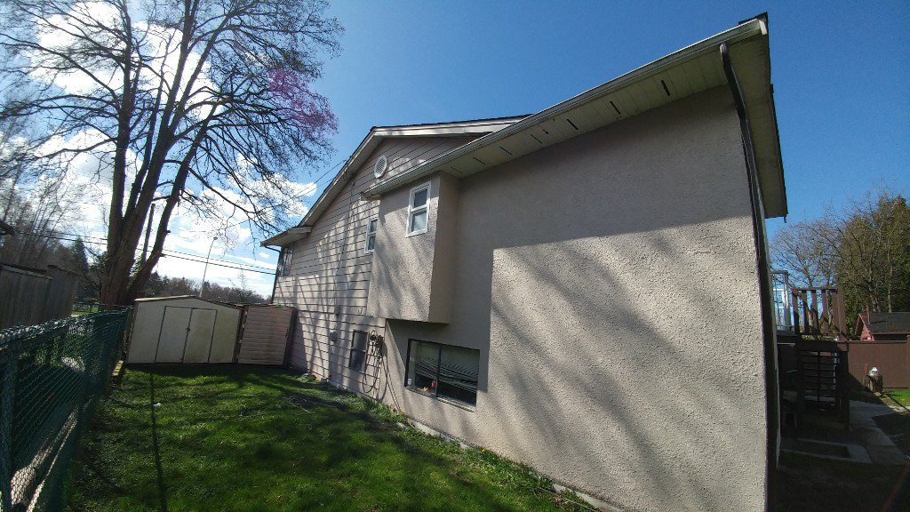 Main Photo: 13831 88 Ave Upper in Surrey: Condo for rent