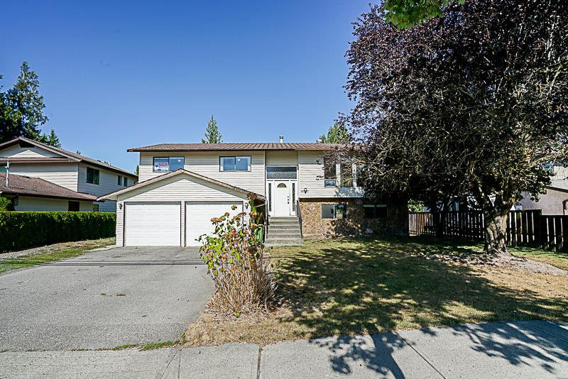 Main Photo: 45257 SOUTH SUMAS Road in Sardis: Sardis West Vedder Rd House for sale : MLS®# R2207229