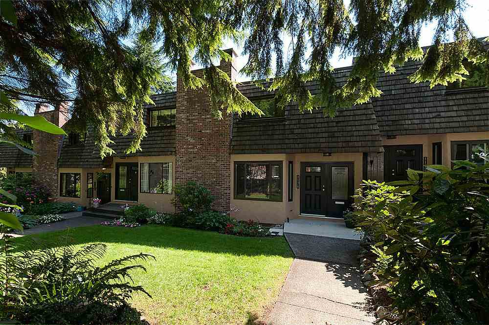 Main Photo: 1178 DEEP COVE Road in North Vancouver: Deep Cove Townhouse for sale : MLS®# R2210688