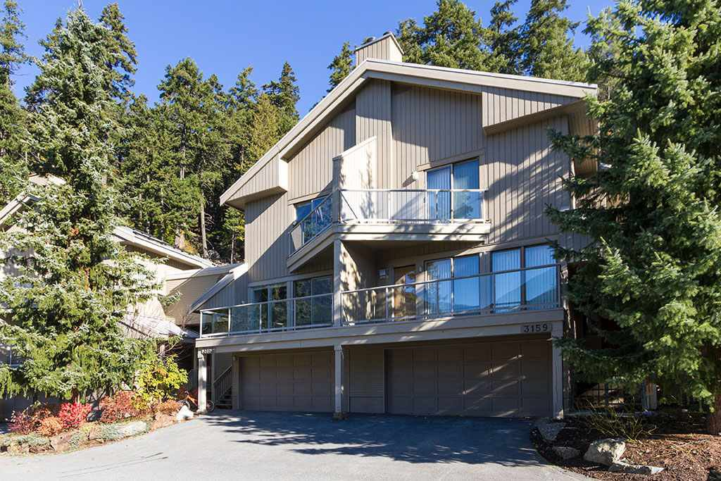 "Main Photo: 3163 ST MORITZ Crescent in Whistler: Blueberry Hill Townhouse for sale in ""BLUEBERRY HILL ESTATES"" : MLS®# R2218282"