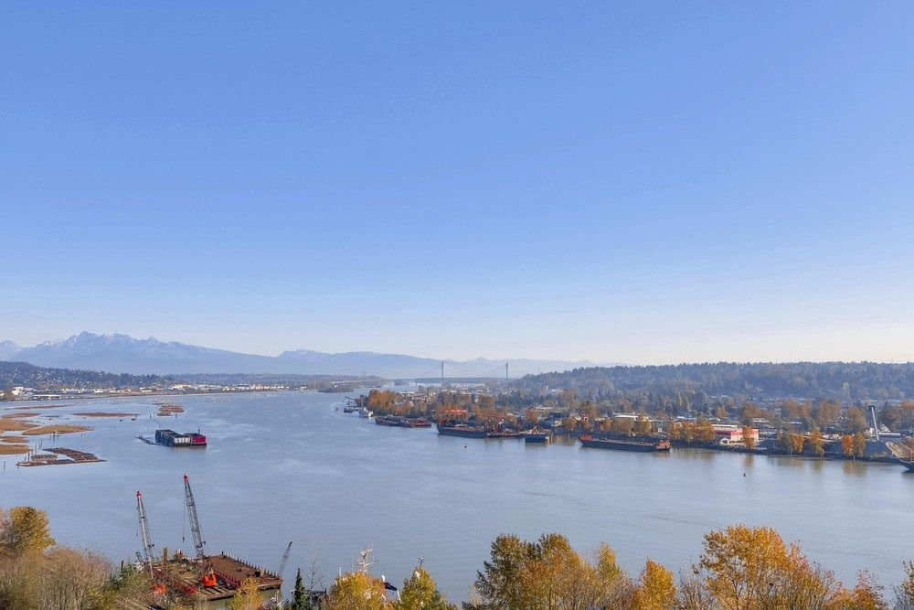 """Main Photo: 1003 38 LEOPOLD Place in New Westminster: Downtown NW Condo for sale in """"EAGLECREST"""" : MLS®# R2220701"""