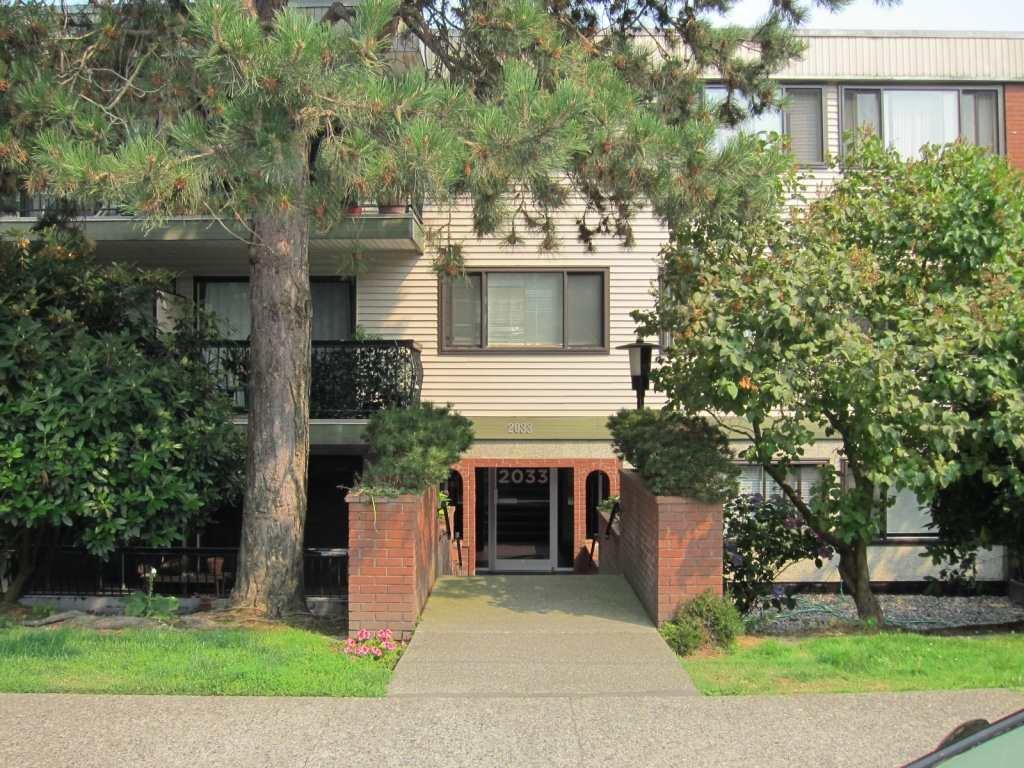 Main Photo: 300 2033 W 7TH AVENUE in Vancouver: Kitsilano Condo for sale (Vancouver West)  : MLS®# R2227644