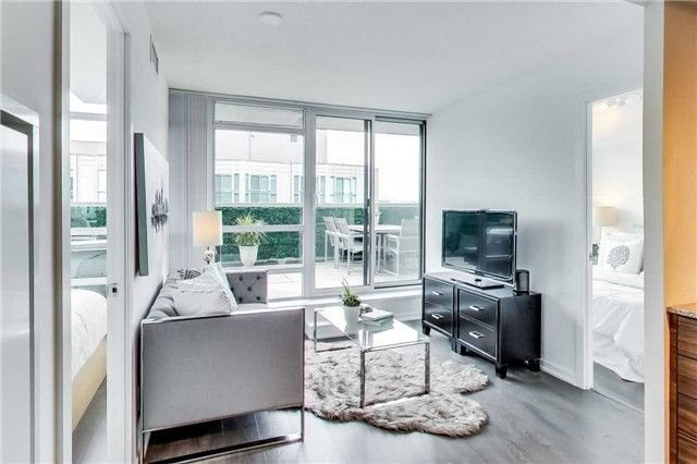Photo 1: Photos: 919 68 Abell Street in Toronto: Little Portugal Condo for sale (Toronto C01)  : MLS®# C4225636