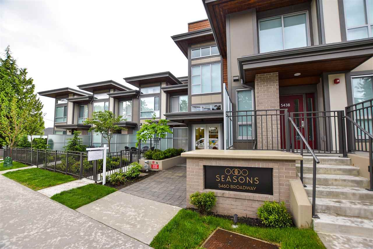 """Main Photo: 509 5460 BROADWAY in Burnaby: Parkcrest Condo for sale in """"SEASONS"""" (Burnaby North)  : MLS®# R2377866"""