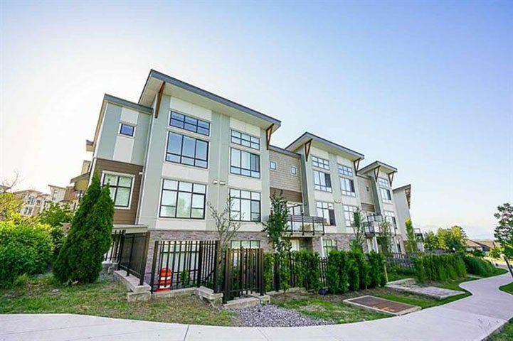 Main Photo: 209 9987 E BARNSTON Drive in Surrey: Fraser Heights Townhouse for sale (North Surrey)  : MLS®# R2384847