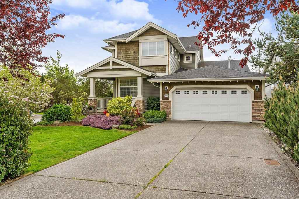 Main Photo: 20440 67B Avenue in Langley: Willoughby Heights House for sale : MLS®# R2385936