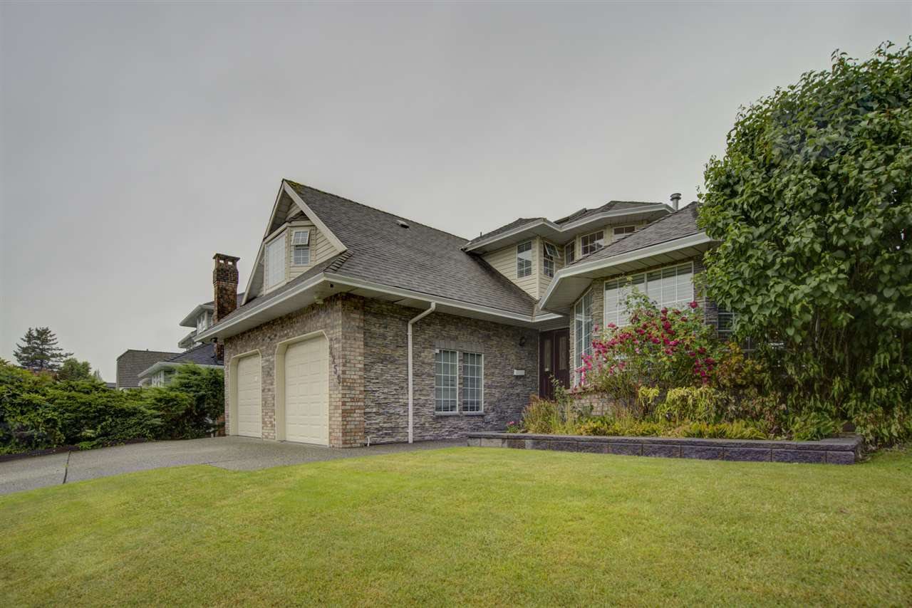 Main Photo: 2259 PARADISE Avenue in Coquitlam: Coquitlam East House for sale : MLS®# R2465213