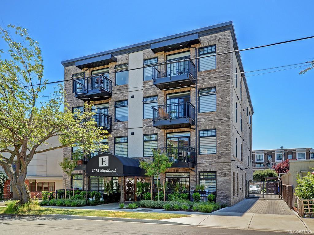 Main Photo: 404 1015 Rockland Ave in Victoria: Vi Fairfield East Condo Apartment for sale : MLS®# 837620