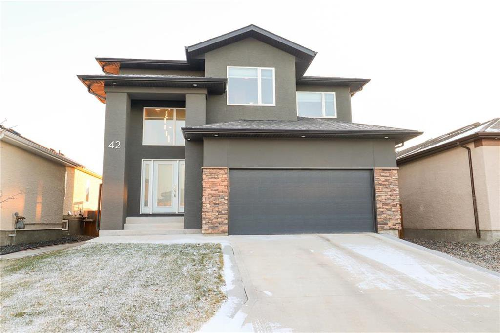 Main Photo: 42 Terry Scott Bay in Winnipeg: Bridgewood Estates Residential for sale (3J)  : MLS®# 202027736