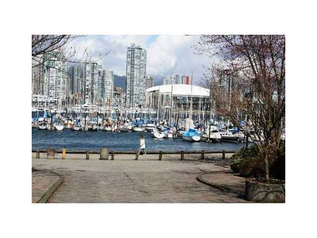 """Main Photo: 748 MILLYARD in Vancouver: False Creek Townhouse for sale in """"CREEK VILLAGE"""" (Vancouver West)  : MLS®# V891096"""