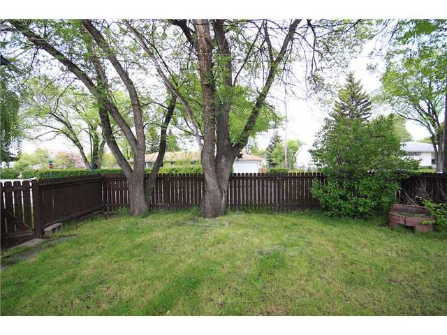 Photo 19: Photos: 2703 43 Street SW in CALGARY: Glenbrook Residential Detached Single Family for sale (Calgary)  : MLS®# C3480086
