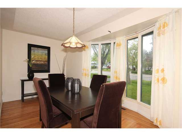 Photo 5: Photos: 2703 43 Street SW in CALGARY: Glenbrook Residential Detached Single Family for sale (Calgary)  : MLS®# C3480086