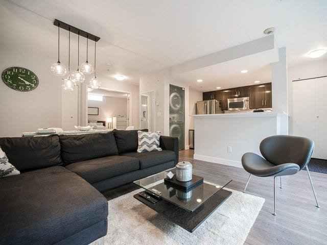"Main Photo: 222 678 W 7TH Avenue in Vancouver: Fairview VW Condo for sale in ""LIBERTE"" (Vancouver West)  : MLS®# V1126235"