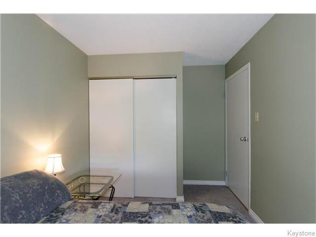 Photo 11: Photos: 481 Thompson Drive in WINNIPEG: St James Condominium for sale (West Winnipeg)  : MLS®# 1600654
